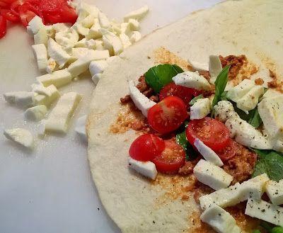 Winny, wat eten we vandaag?: Piadina met zongedroogde tomaten tapenade en gegrilde courgette