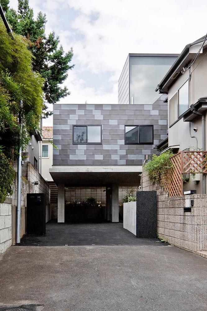 House In Eifukucho / Upsetters Architects