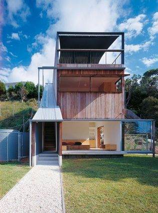 Central Coast House (NSW) by Neeson Murcutt Architects. Two sliding doors open fully using external frame.