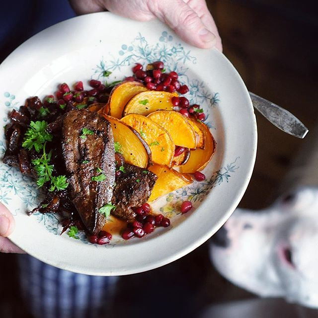 I treated my boys with some grass fed, all organic cow liver today with thin slices of roasted sweet potato & turnip plus  caramelized red onion topped with some pomegranate.  Oh boy how the boys were happy... And the dog who got to lick the plates.