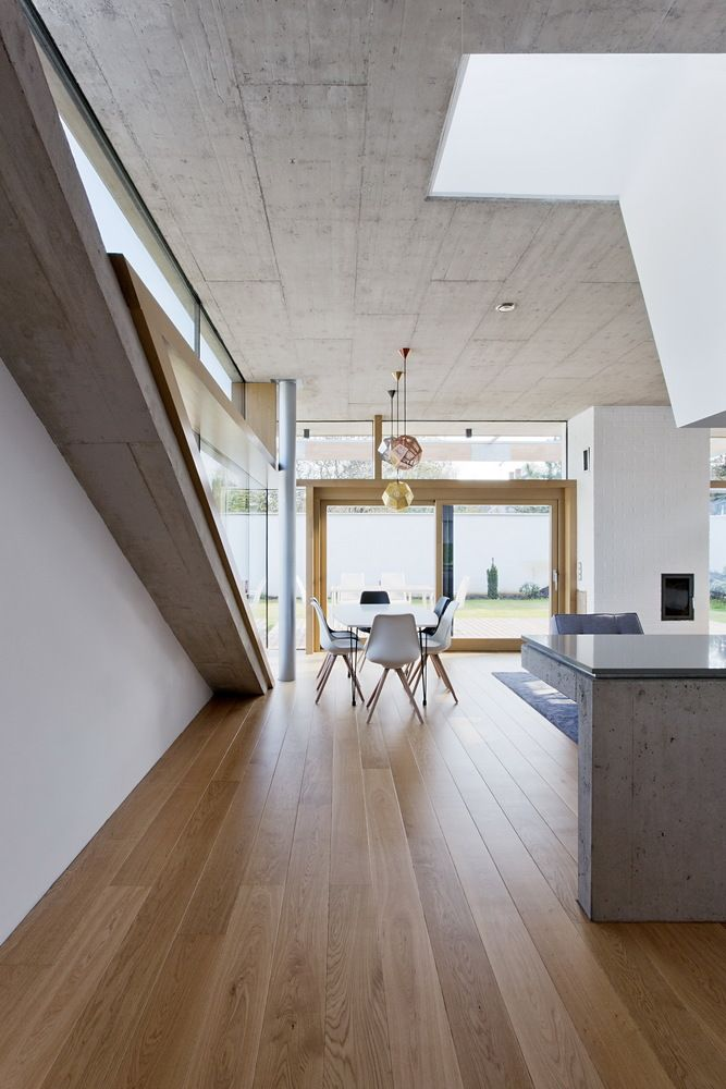 Gallery of TD House / sporaarchitects - 15