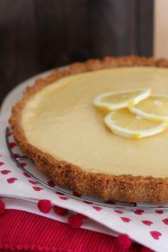 Tarta fácil de limón con base de galleta y crema de limon hecha con leche condensada