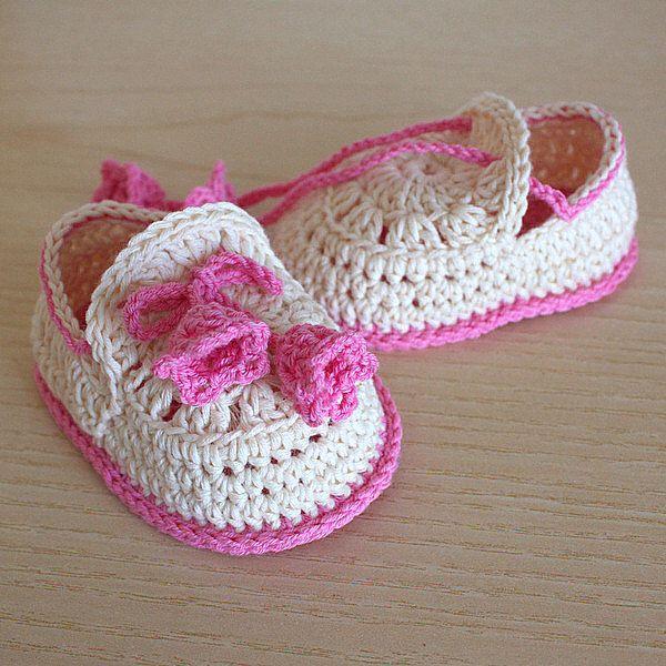 PDF file CROCHET Pattern - Baby Shoes Summer Bells  ( 0-6 /6- 12 months) by loasidellamaglia on Etsy https://www.etsy.com/listing/186399450/pdf-file-crochet-pattern-baby-shoes