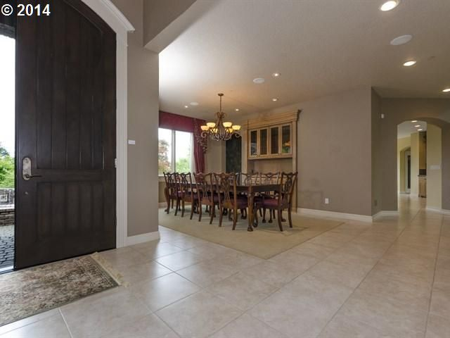Large Dining Room Off Of Entry Contact Brian Denne 503 336 7016