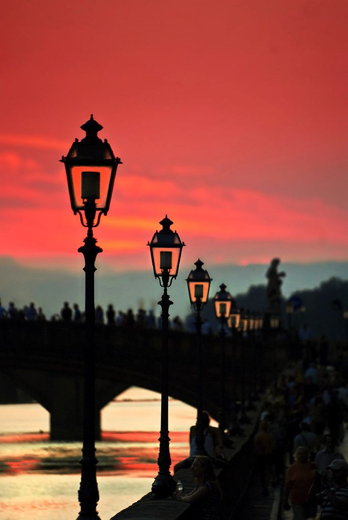 Sunset on the Arno River, Florence, ItalyCursos de Idiomas en el Exterior CAUX…