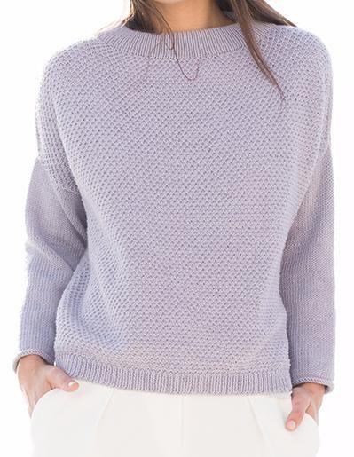 Непринужденный свободный пуловер не устает удивлять своей многогранностью – он изобретательно вписывается в любые трендовые сочетания! Подлинно любимая вещь! Свободный пуловер сначала вяжется из двух частей, а начиная от плечевого скоса – круговыми рядами. На сайте Люди Вяжут представлена модель №31 из журнала CLASSICI №12, пряжа COOL WOOL. Приведена инструкция по вязанию для размера: 42/44, 46/48 и 50/52. Инструменты: круговые спицы № 3 и 3,5 длиной 40 см и 1 круговые спицы № ...