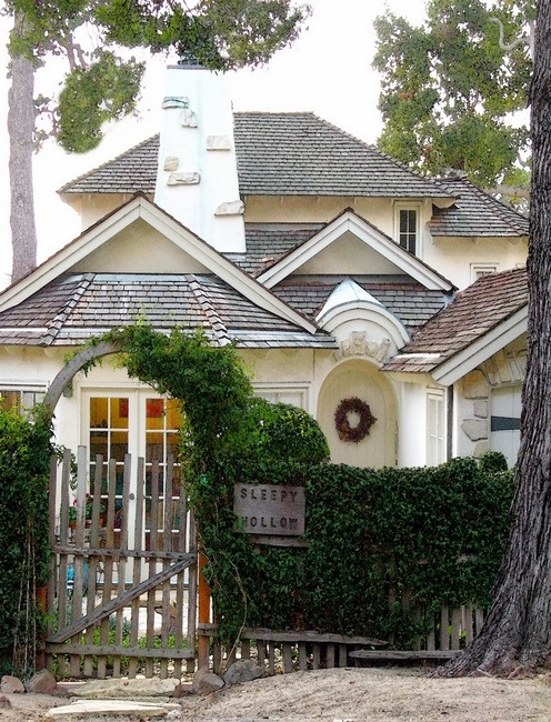 A Charming Bungalow In Los Angeles: 17+ Images About Storybook Cottages & Charming Homes On