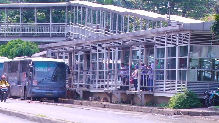 Ahok naik kopaja untuk mempraktikkan kebijakan PNS Pemprov DKI Jakarta pakai angkutan umum setiap Jumat di awal bulan. Lalu apa suka dukanya ya?