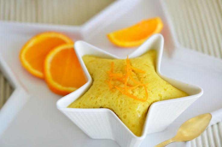 Ce gâteau est une petite merveille, il met en vedette les amandes et les agrumes qui sont dans leur pleine saison dans le Sud de l'Europe. Un peu de leur confiture va apporter la douceur et le parfum à ces gâteaux. Vous pouvez y ajouter le zeste d'une orange, d'un citron ou d'un pamplemousse pour ...