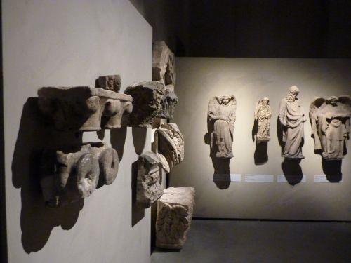 Capitelli, angeli e padri della Chiesa