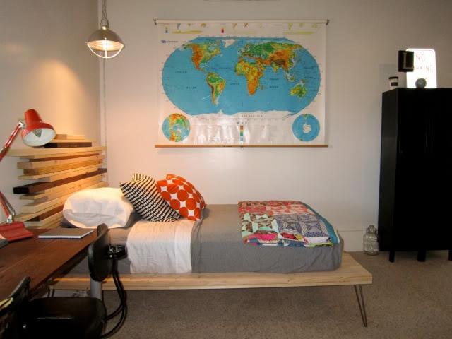 t & e's room.