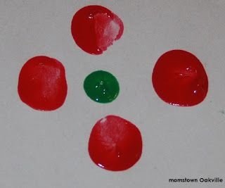 Easy Remembrance Day Craft For Preschoolers; finger dot art