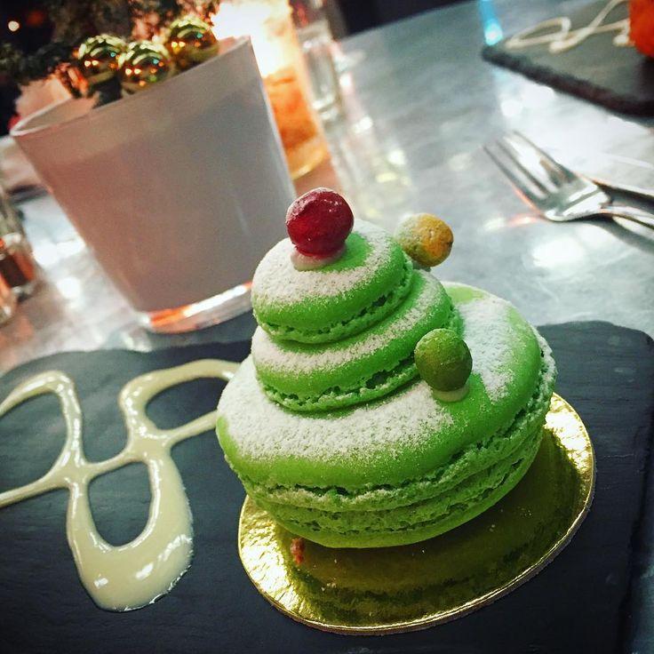 Our Christmas Tree Green Tea & Yuzu Macarons are the only treat we need on Christmas Eve https://www.instagram.com/p/BNfWlzfhJ0u/?taken-by=dear_mummy