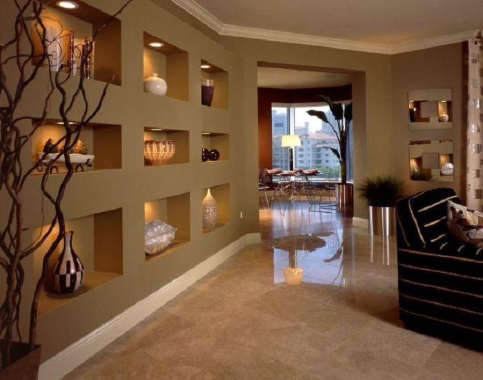 Оригинальное оформление стены декорированной при помощи гипсокартона, что точно понравится.