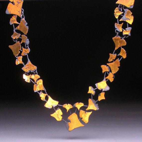 Ginkgo necklace: Ginko Leaves, Gold Leaf, Ginkgo Biloba, Necklaces Ooak, Collars Necklaces, Leaf Necklaces, Ginkgo Leaves, Ginkgo Necklaces, Ginkgo Collars