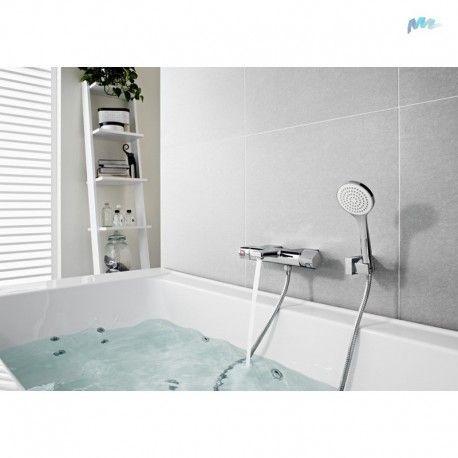 #Grifo #termostático para #baño-ducha Roca L90 con #ducha de mano.     Griferia #Roca #L90: para los amantes del diseño inspirado en la vida urbana.