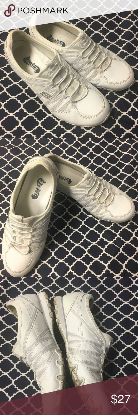 SKECHERS Bikers Dream Come True 21140  Size 8.5 Skechers white comfort leather sneaker size 8.5. In very good condition. Only the bottom shows minimal signs of wear. Skechers Shoes Sneakers