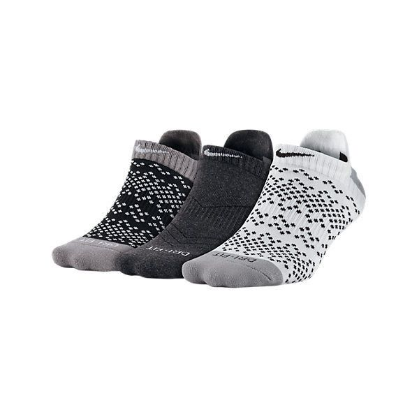Nike Women's Dri-FIT Graphic No Show 3-Pack Socks, Grey ($18) ❤ liked on Polyvore featuring intimates, hosiery, socks, grey, print socks, grey socks, gray socks, dri fit socks and patterned socks