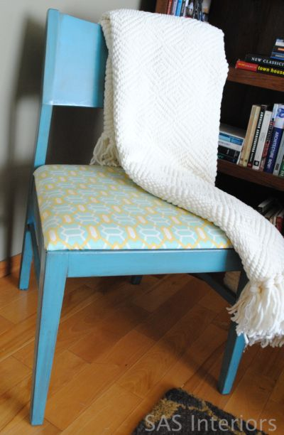 How to distress a chair and recover the seat cushion....good tips on the painting and distressing process.
