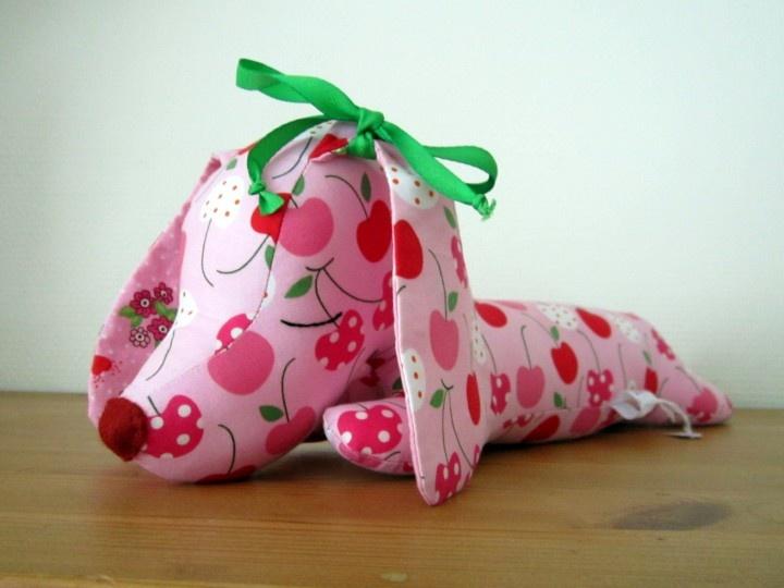 roze teckeltje, 36 cm;  sweet pink dachshund,14 inch