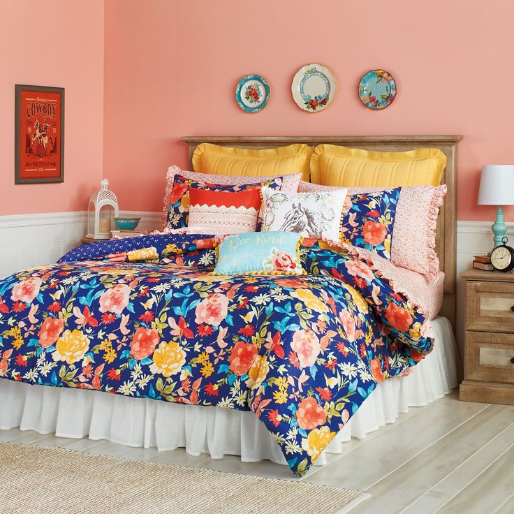 The Pioneer Woman Fiona Floral Comforter   Walmart.com in 2021   Woman bedroom, Floral comforter ...