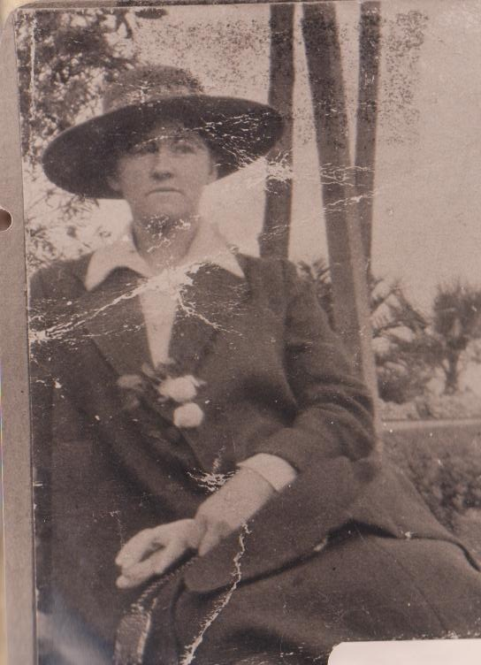 Grandma Jean Rivett as she was starting her house keeping career in Melbourne at 26 years of age about 1922