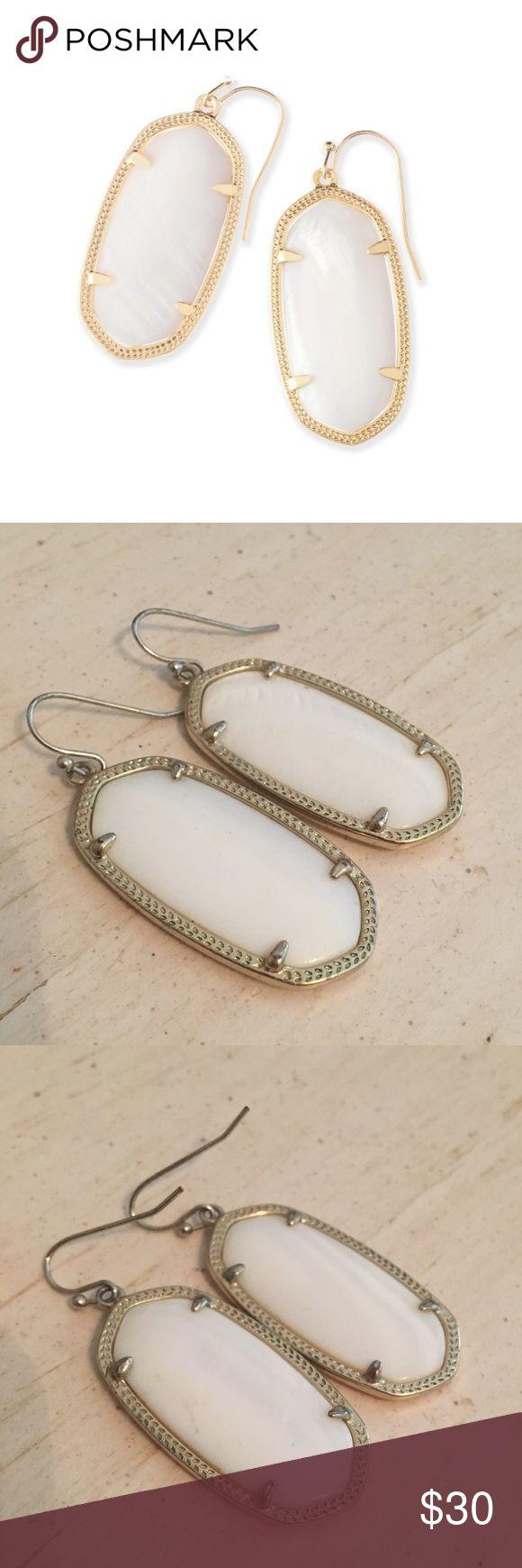 """Kendra Scott earrings! Kendra Scott """"Elle"""" earrings in gold and white pearl Kendra Scott Jewelry Earrings"""