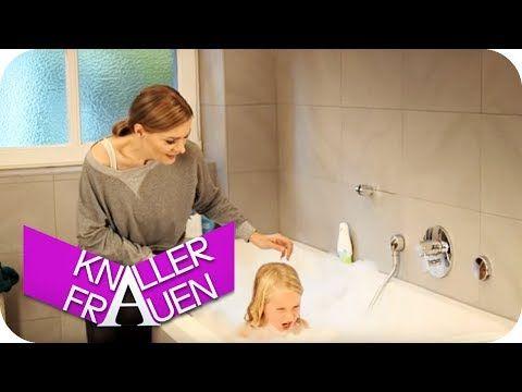 Bett beziehen - Knallerfrauen mit Martina Hill - YouTube