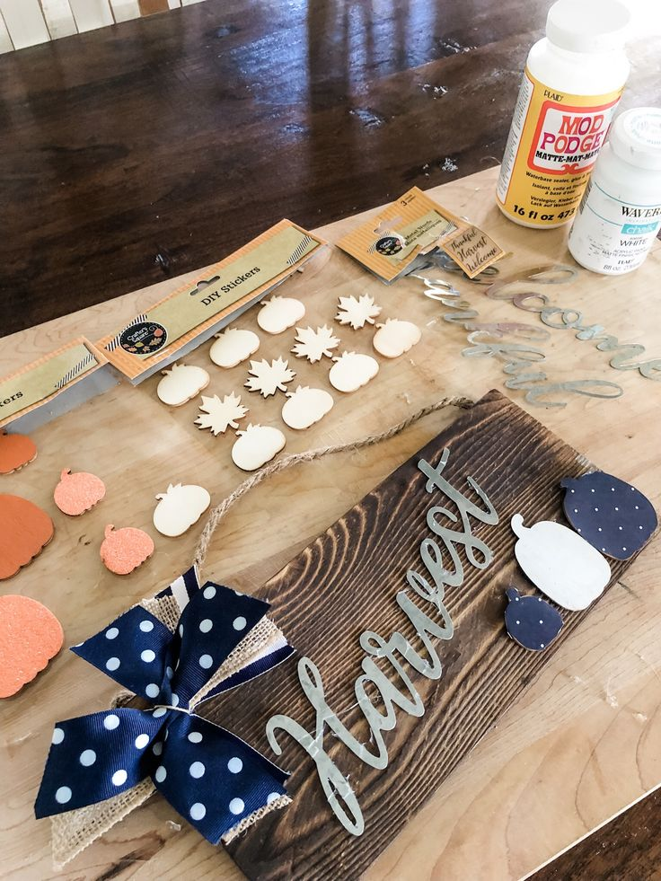 5 minute fall craft ideas! These two projects are so easy and so cute!