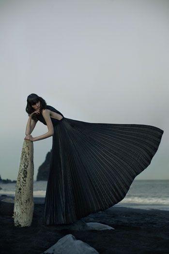 .: Eugenio Recuenco :. Online portfolio. The pleated fan of her dress echos a mermaid tail