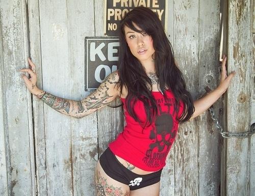 Tattooed Women, Love Them or Hate Them?