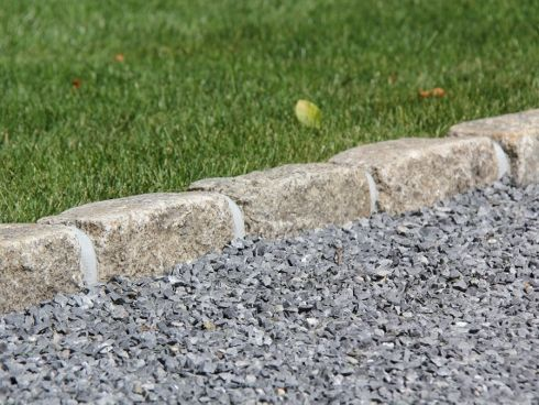Driveway Edging Ideas For Gravel Driveways Bedford Stone And Landscaping In 2018 Pinterest