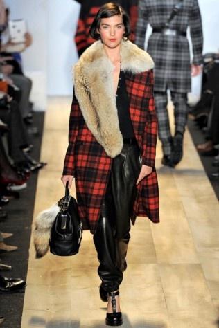 Michael Kors AW12: Fashion Week, Michael Kors Fall, Fall 2012, Cross Michaelkor, New York Fashion, Fall Fashion, Fur Collars, Fashion Handbags, Michaelkor Handbags