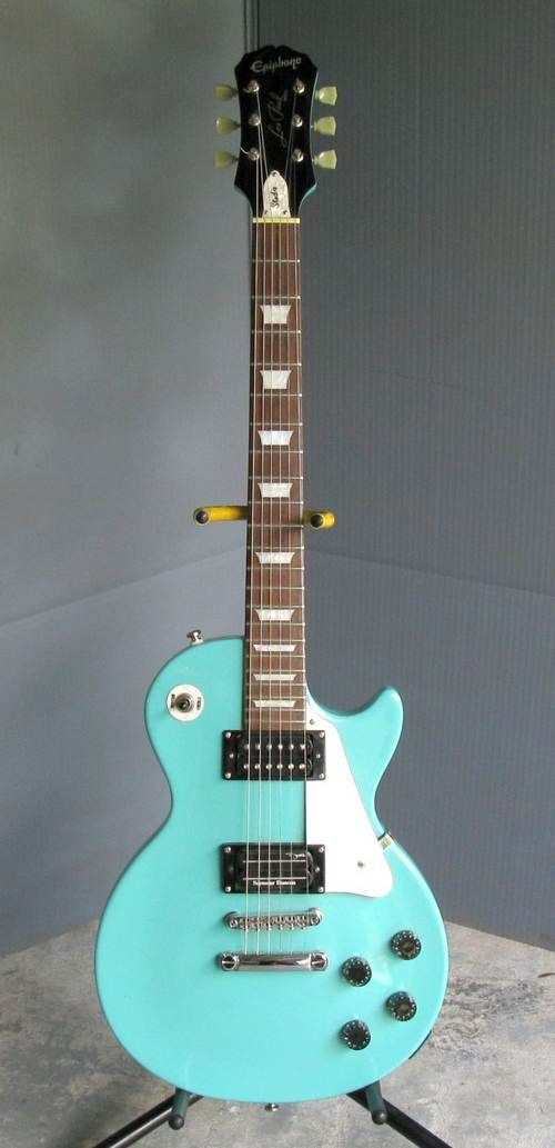 ...yes, of course, it's mint! (a bit too blue, actually) - ok for blues, I suppose...