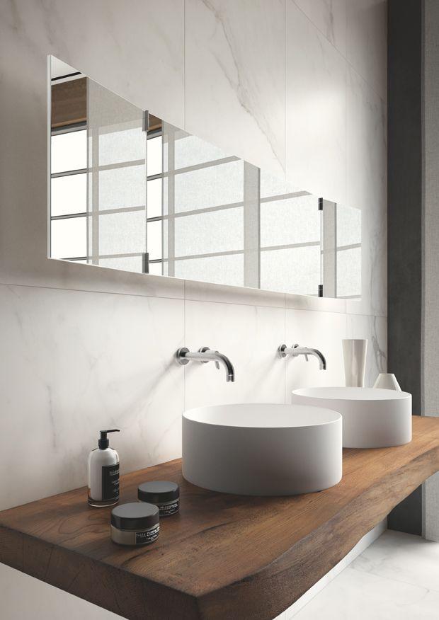 Salle de bains - blanc - bois - marbre / Bathroom - white - wood - marble