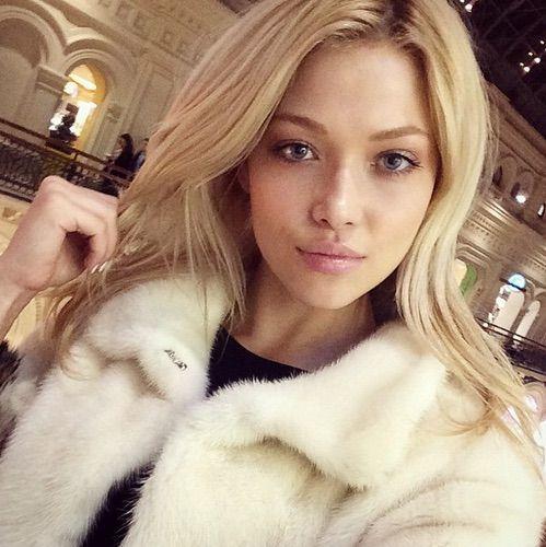 Image via We Heart It #beauty #blond #fur #girl #gorgeous #pretty #woman #selfie