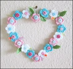 Türkranz kostenlos häkeln--Blumenmotiv häkeln