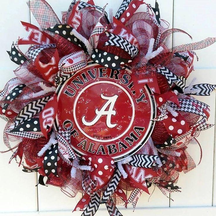 University of Alabama wreath by Whimsy Wreaths #alabamawreath #rolltide #alabama…