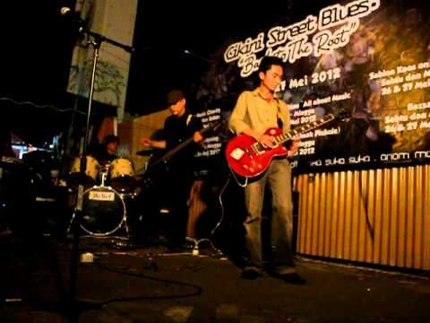 PELANGI BIRU - Massa - in Cikini Street Blues