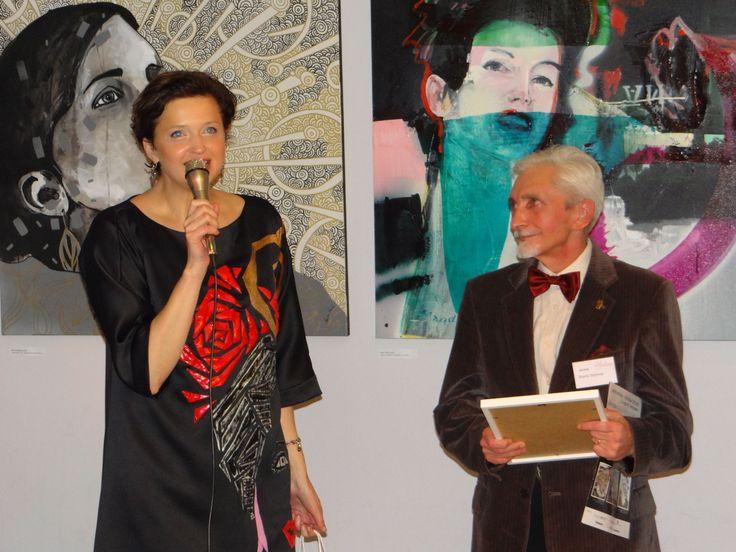 Marek Strójwąs - II Nagroda Publiczności. 13 listopada w Kartonovni – Centrum Sztuki odbył się Finisaż wystawy MUZA. Głównym punktem wydarzenia było ogłoszenie Finalistów Konkursu Publiczności na najciekawszą pracę oraz wręczenie Grand Prix. http://artimperium.pl/wiadomosci/pokaz/430,zwyciezcy-muzy-painta-maciejowska-strojwas-i-maciaszek#.VGaR9fmG-Sq