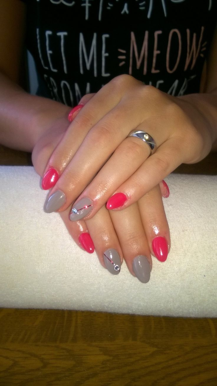 grey and red gel, red stripes