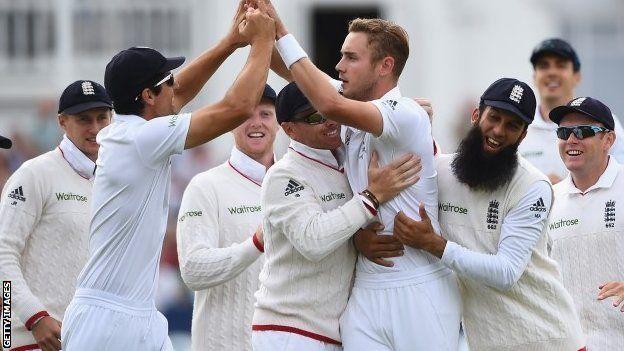 BBC Sport - Ashes 2015: Stuart Broad takes 8-15 as England eye Ashes win