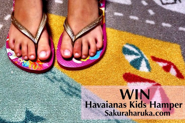 {HAVAIANAS KIDS HAMPER GIVEAWAY} Win one pair of kids flip-flops {ANYTHING OF YOUR CHOICE!} + one special-edition colouring book set. 3 Winners, ends Sun 20 Apr 14. #singapore #family #kids #havaianas #flipflops #footwear #fashion #girls #ootd