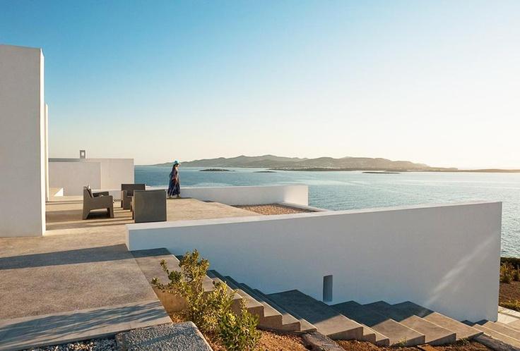 Paros Villa by React Architects Delood