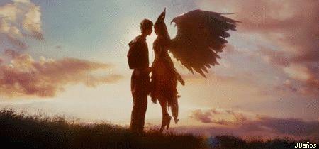 Stefan y Maléfica  se convirtieron   en algo más que a amigos. Y por un tiempo parecía como si, el antiguo odio entre los hombres y las hadas había sido olvidado. Como la amistad lentamente se convertiría en algo más. Y en su decimosexto cumpleaños, Stefan dio a Maléfica un regalo. Un beso, y le dijo que era un beso de amor verdadero. Pero no iba a ser así.