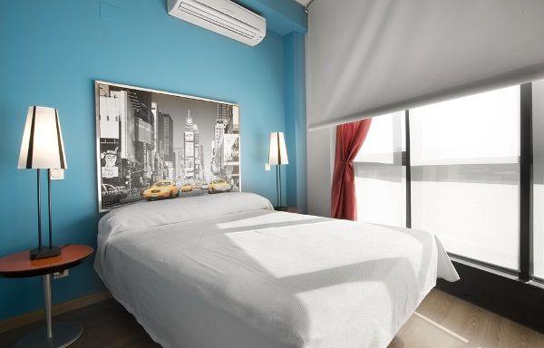 El calor, la luz del verano se reflejan siempre en el confort de nuestro sueño. Algunas recomendaciones en la decoracion de interiores dormitorios ayudarán.