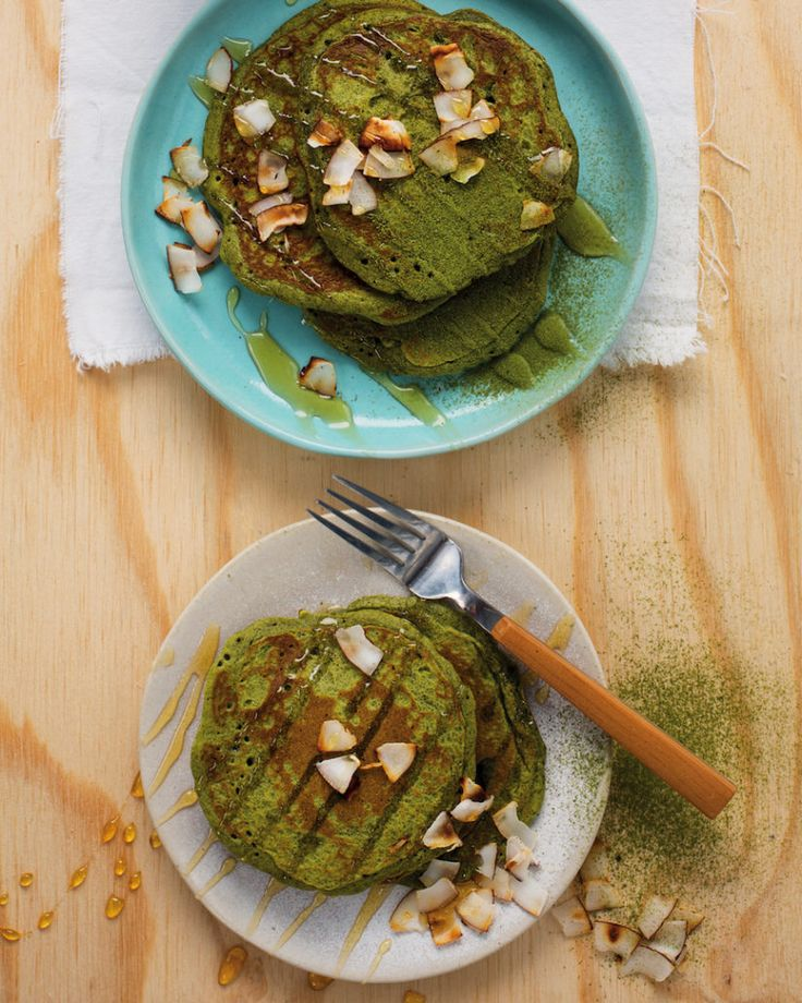 Matcha pancakes with whipped coconut cream - MyKitchen