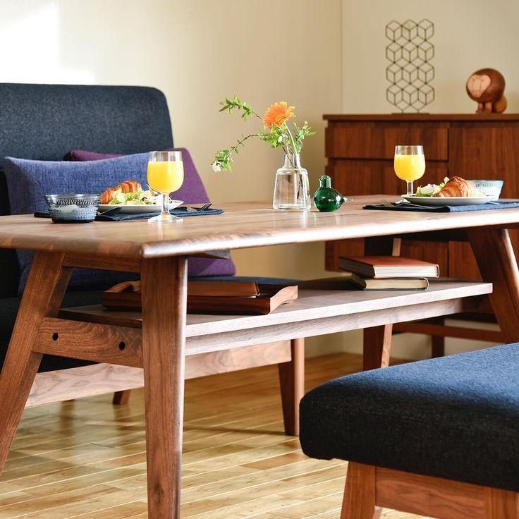 リビングダイニング兼用タイプが人気です。合わせるテーブルはBRUNCHオリジナルLDテーブルはいかがでしょうか。足の邪魔にならない位置に棚板が付いていますので雑多なものが片付いてとても使いやすいです。  TA-0254-WN BRUNCHオリジナルLDテーブル http://www.brunchone.com/catalog/table_0254_wn/  #BRUNCH #ブランチ #furniture #家具 #インテリア #ショップ #ウォールナット #walnut #無垢材 #リビング #ダイニング #living #dining
