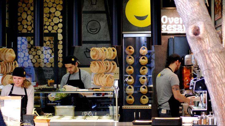 «Σουσάμι, άνοιξε!» ή, αλλιώς, «Oven Sesame»: το παραδοσιακό κουλούρι στα καλύτερά του AIOLOY