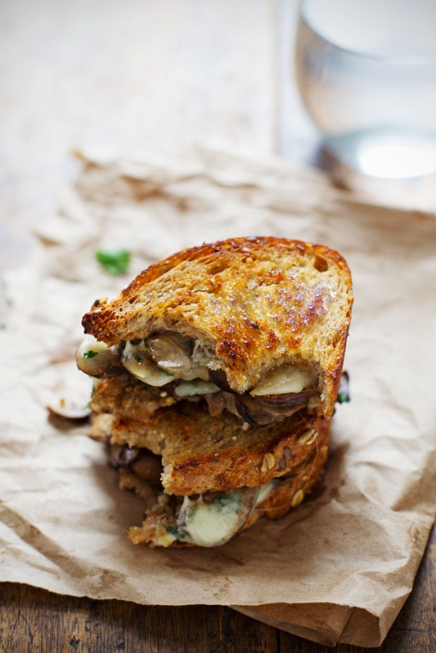 #Recipe: Simple Garlic Butter Mushroom and Provolone Melts